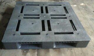 Pallet Plastik Layar Datar/Flat Uk. 110 x 110 x 14 cm